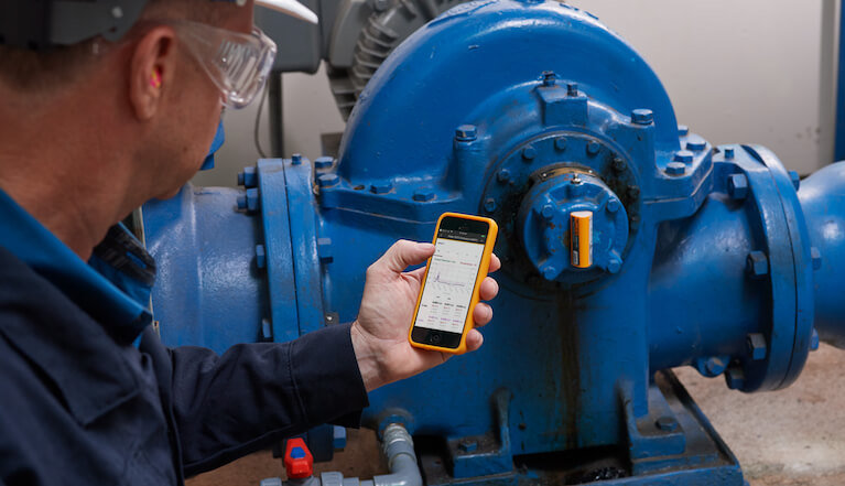 How to combine vibration monitoring with other sensor technologies